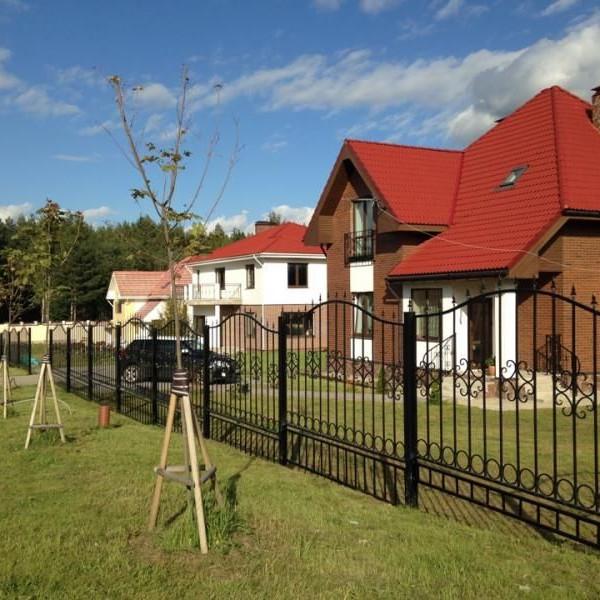 Этапы застройки и фото с хода работ в поселке Петровское Барокко